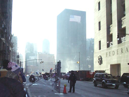01c31005 NYC Ground Zero.JPG (31962 bytes)