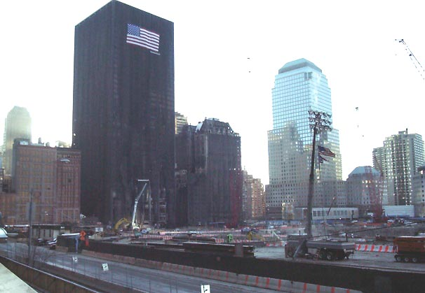 01c31022 NYC Ground Zero.JPG (40681 bytes)