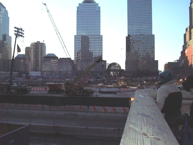 01c31025 NYC Ground Zero.JPG (51062 bytes)