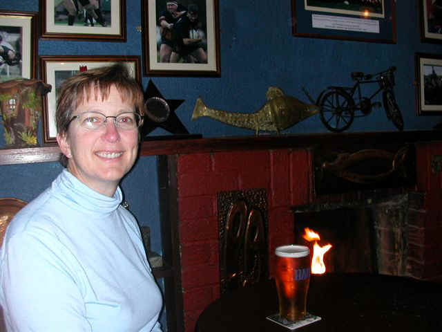060114 (19) SNN Clifden Griffin's Bar BJ.JPG (52749 bytes)