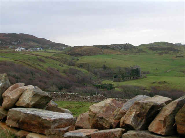 060115 (4) SNN Clifden Castle Sky Road.JPG (50155 bytes)